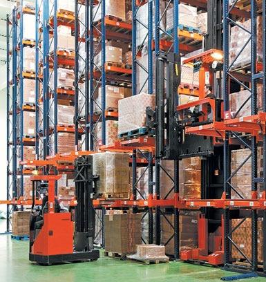 Magazijn voor machines en gereedschappen voor de bouw