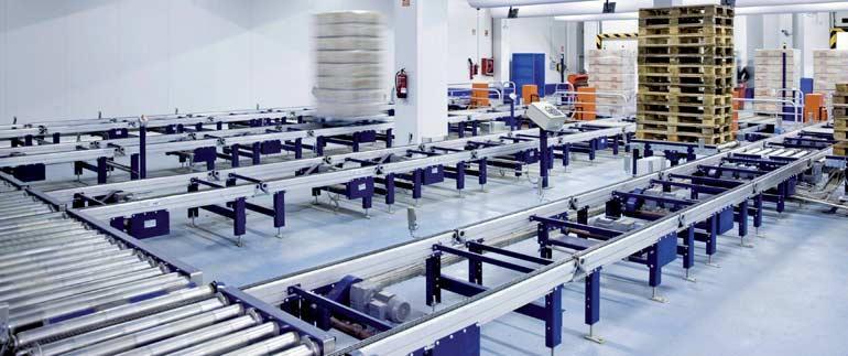Magazijn voor een productie- en distributiebedrijf van voorgebakken brood, diepgevroren deegwaren en gebak