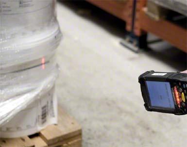 Door RFID (radio-frequency identification) wordt de gecodeerde informatie van de pallet ingelezen.