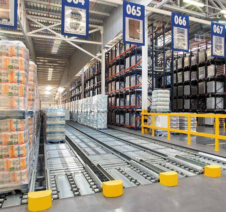 Magazijn voor een distributiecentrum in de levensmiddelenindustrie