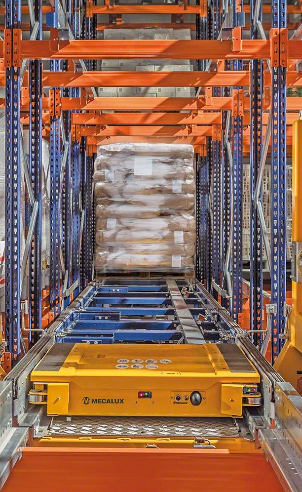Stellingen van ANL met de automatische Pallet Shuttle