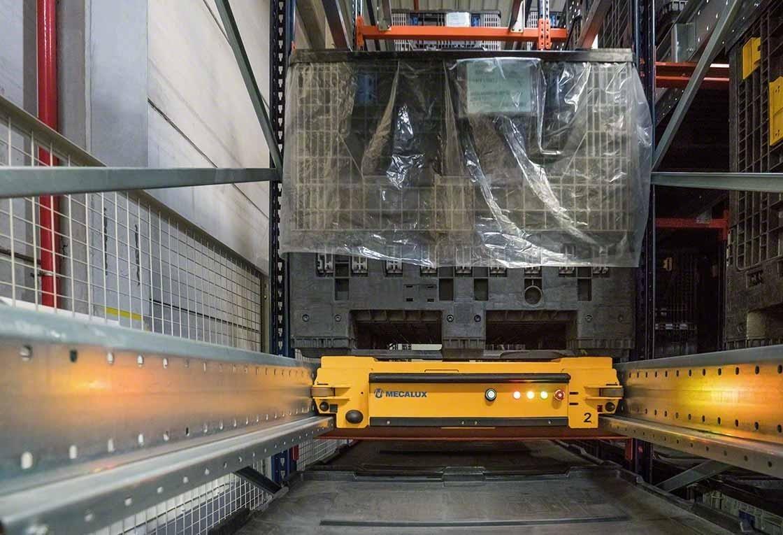 Dankzij de precisie van de automatische opslagoplossingen worden logistieke risico's zoals schokken en botsingen vermeden.