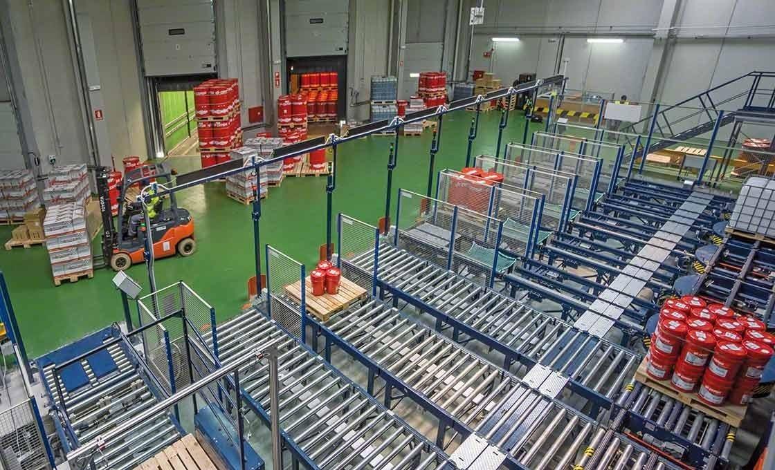 Automatische opslagoplossingen die de in- en uitslag van goederen verbeteren vormen een belangrijk element bij de just-in-time methode in de logistiek