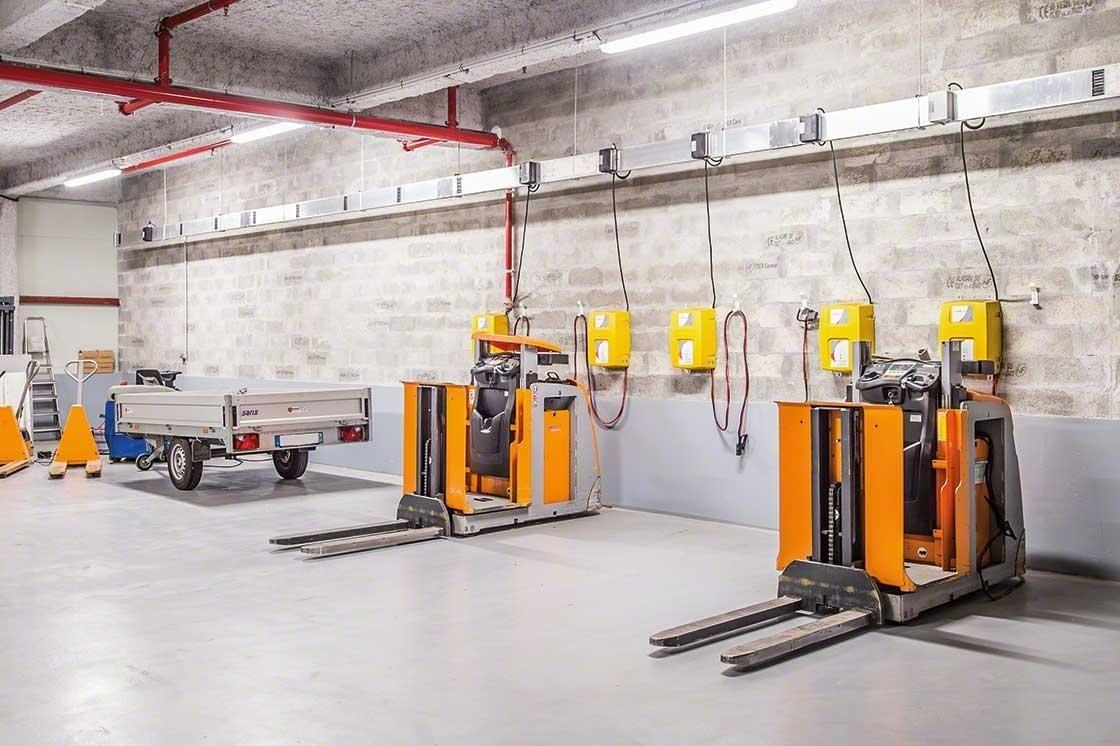De technische zone voor het onderhoud van apparatuur voor goederenafhandeling moet voldoen aan de veiligheidsnormen in magazijnen