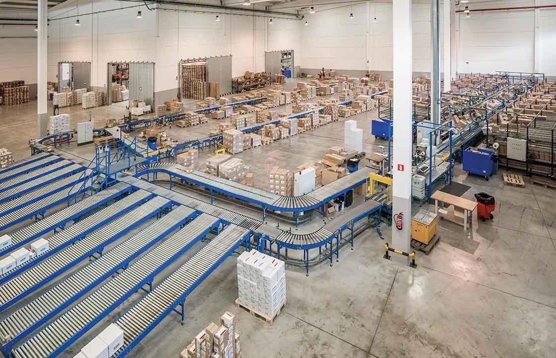 Het doelmatig organiseren van de verschillende magazijnzones draagt bij tot een efficiënt beheer van retourzendingen