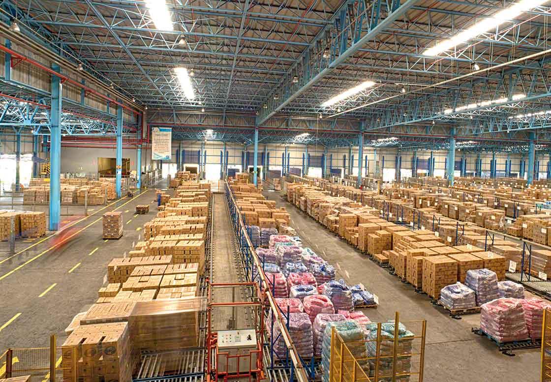 Consolidatie of groupage van goederen is een strategie om de beschikbare opslagruimte te optimaliseren