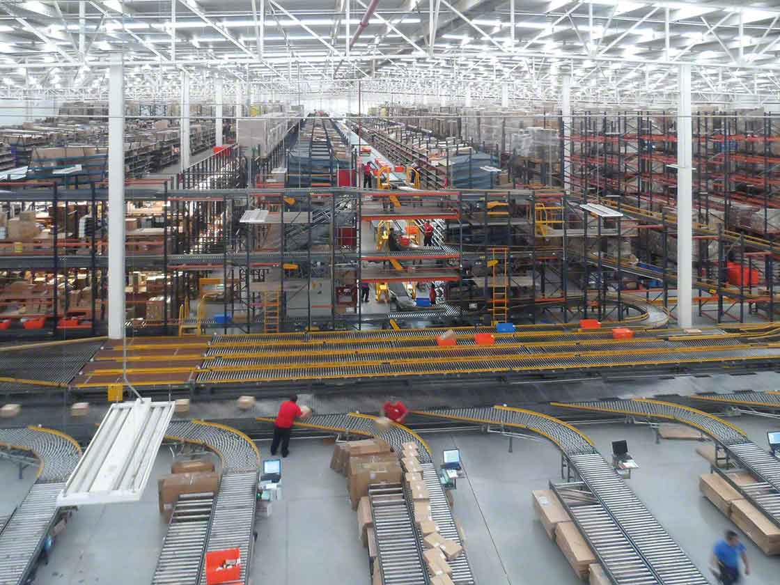Automatische oplossingen en een warehouse management systeem verhogen de snelheid van processen en verbeteren de nauwkeurigheid van de last mile
