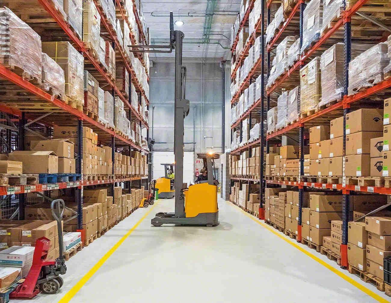 Industriële opslagsystemen met goederen